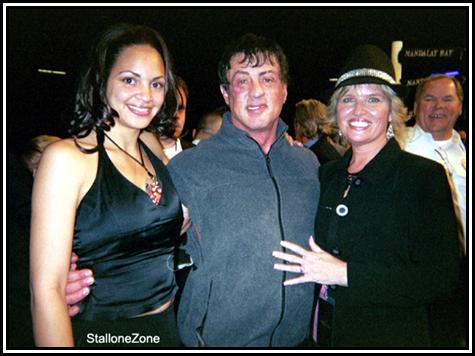 Photos de Rocky Balboa. - Page 8 012906sly_fans